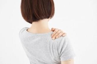 肩がコリやすい人は、手の位置・向きが違う??
