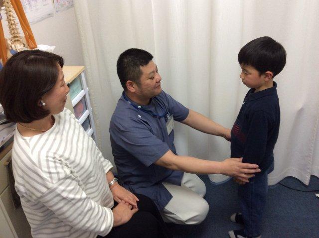 施術後の姿勢、関節可動域の確認