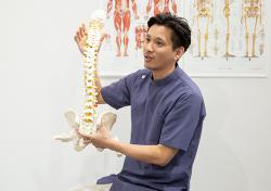 お体の状態と歪みの説明・施術方法の説明